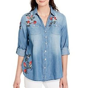 Adorable American vintage embroidered top